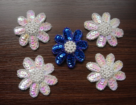 FW14-12 Petals Flower Sequin Bead Applique Assorted Color 5pcs