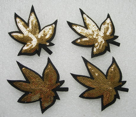 FW301 Gold Maple Leaf Floral Embroidery Sequin Applique Patch x4