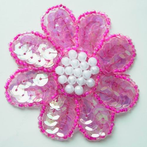 FW05 Petals Flower Sequin Bead Applique Clear Fuchsia 5pcs