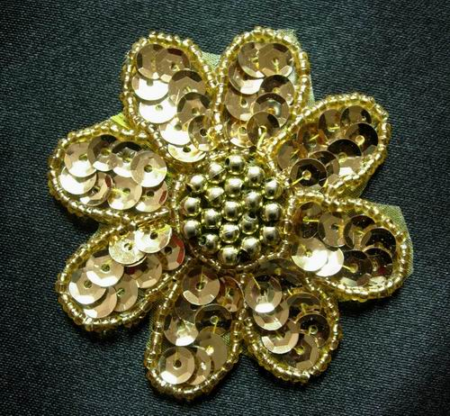 FW06 Petal Flower Sequin Bead Applique Gold 5pcs