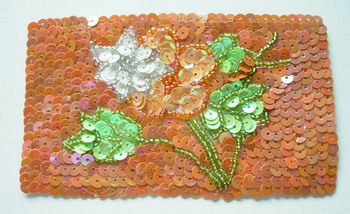 FW86 Sequin Bead Applique Square w/ Flower