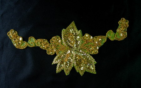FW89-5 Gorgeous Floral Sequin Bead Bugle Applique Gold