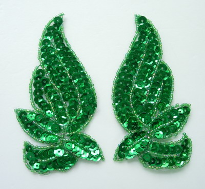 LR135-4 Mirrored Pair Sequin Bead Applique Motif Green