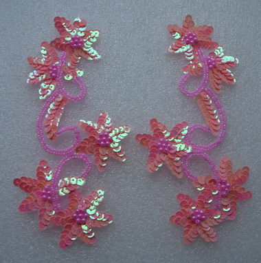 LR28 Pair Star Floral Sequin Bead Applique Pink