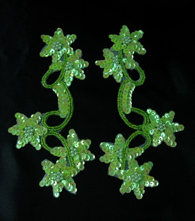 LR33-2 Mirror Pair Star Floral Sequin Bead Applique Green Iris