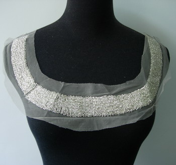 NK186 Bugle Beaded Applique Round Collar Silver