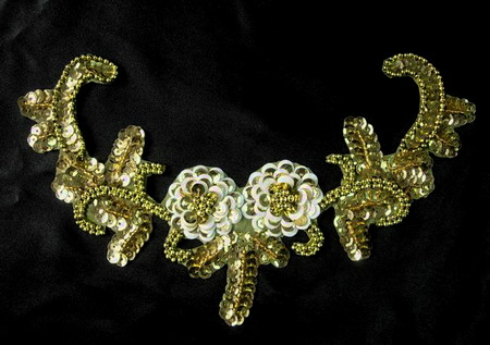 NK66 Sequin Bead Applique Motif Twin Flower Necklace Gold