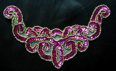 NK12 Necklace Sequin Bead Applique Fuchsia Gold