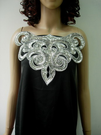 NK18-3 Flamed Collar Front-Neck Sequin Beaded Applique Silver