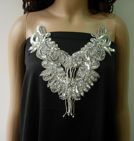 NK33 Sequin Bead Applique Necklace w/Fringe Silver