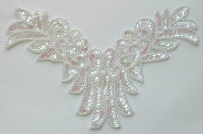 NK08-1 Necklace Sequin Bead Applique Crystal White