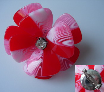 SB187 Acrylic Petals Diamante Jewelry Brooch Pin Red
