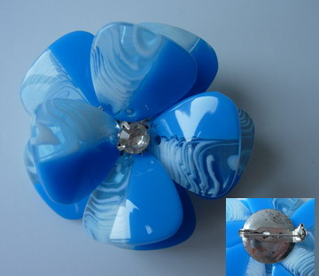 SB188 Acrylic Petals Diamante Jewelry Brooch Pin Aqua Blue