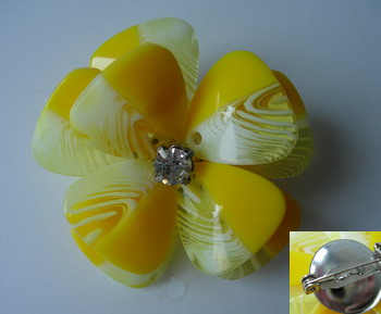 SB189 Acrylic Petals Diamante Jewelry Brooch Pin Yellow