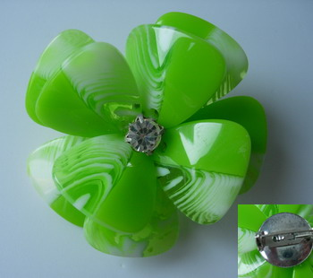 SB190 Acrylic Petals Diamante Jewelry Brooch Pin Lime