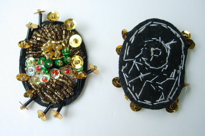 SB92 Oval Stich Sequin Beaded Applique Motif Brooch Pin