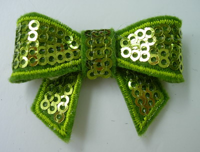 SY114 Little Bow Tie Sequin Applique Lime Iron On x4
