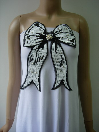 SY178 Black & White Bow Bows Pearl Beaded Sequin Applique Motif