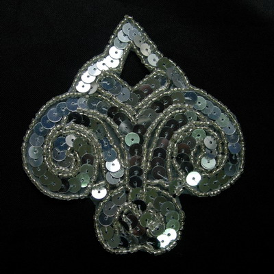 SY95 Silver Fleur De Lis Sequin Beaded Applique Motif