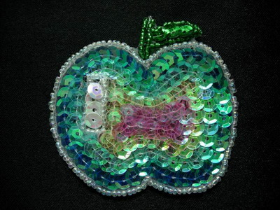 TF06 Sequin Bead Applique Rainbow Apple Motif 4pcs