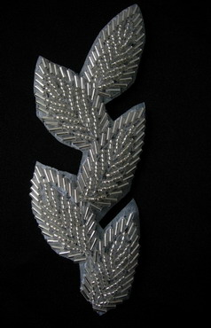 TF27-3 Leaves Leaf Bugle Beaded Applique Motif Silver