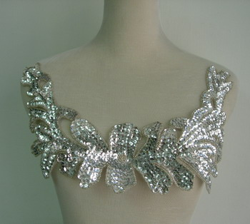 HP45-3 Large Floral Sequin Bead Applique Collar Hipbelt Silver