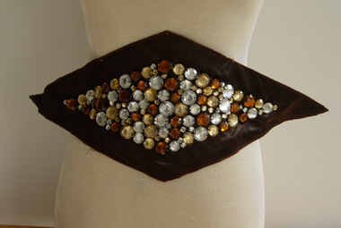 HP62 Rhombus Gemstones Applique Motif Deep Brown