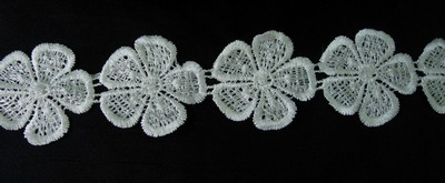 OT27 Petals Flowers Venise Venice Lace Trim Sewing Cream 1yd