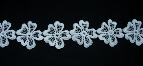 OT85 Petals Flowers Venise Venice Lace Sewing/Trim Cream 1yard