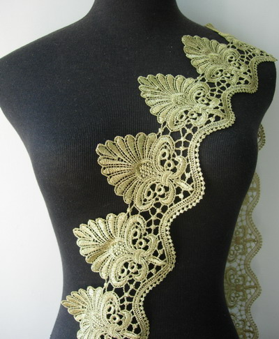 "TL119 4 2/8"" Leaf Leaves Lace Metallic Gold Trim Lace Edge 1yd"