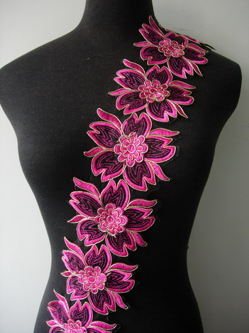 "TL152 3.6"" Daisy Fuchsia Metallic Trim Corded Lace Edging 1Y"