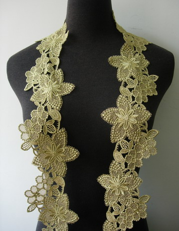 "TL163 3 6/8"" Starflower Floral Metallic Trim Lace Edging Gold 1Y"