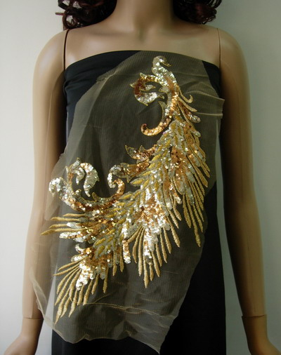 VB50 Gold Peacock Tail Floral Sequined Trimming Applique Motif