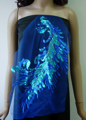 VB52 Blue Peacock Tail Floral Sequined Trimming Applique Motif