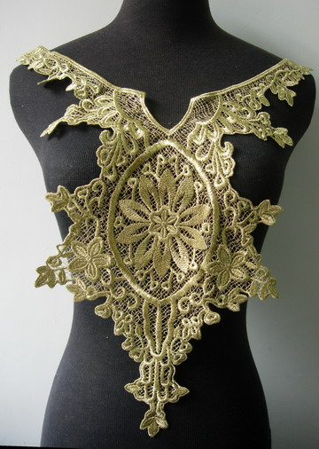 VY115 Victorian Gold Metallic Trim Bodice Applique Motif