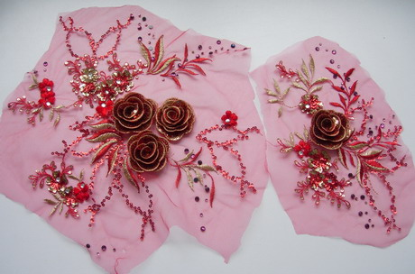 VF258 Red Gold 3D Rose Flowers Embroidered Sequined Applique x2