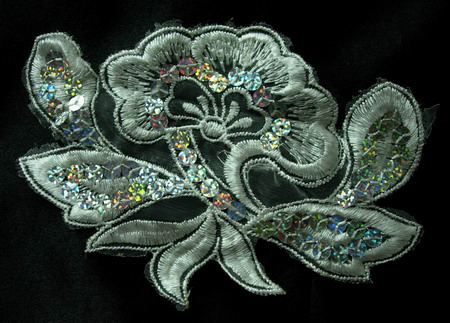 VF70 Hologram Silver Sequin Venice Applique Motif Flower 2pcs
