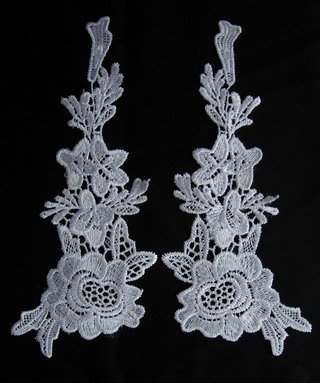 VT106 Mirror Pair Tree Floral Lace Venise Venice Applique White