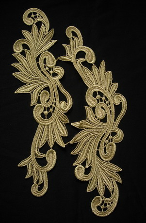 VT148 Mirror Pair Leaves Leaf Metallic Gold Trim Venise Applique