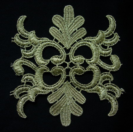 VT152 Classic Floral Metallic Gold Trm Lace Venise Applique 2pcs