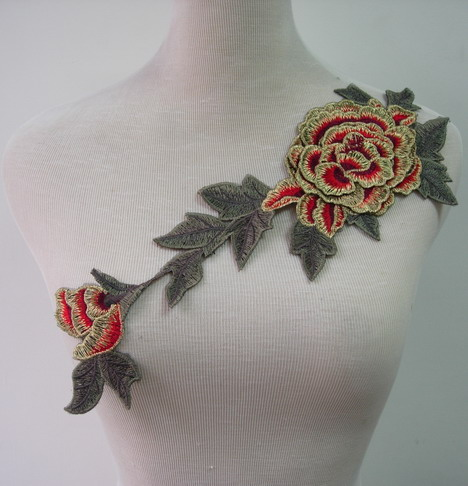 VT212-2 Red Gold Trim Layered Foral Peony Venise Venice Applique