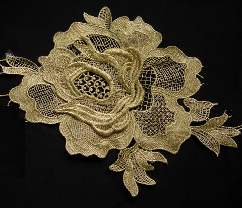 VT234 Metallic Gold Trim Tier Rose Peony Floral Lace Applique