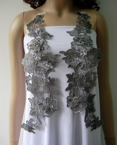 VT271 Huge Paired Floral LeavesMetallic Trim Applique Silver Blk