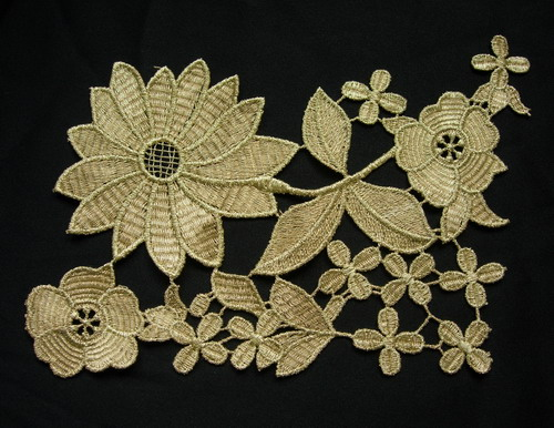 VT288 Metallic Gold Trim Leaves Floral Lace Applique Motif