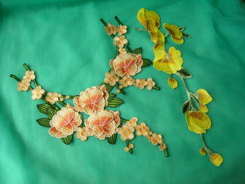 VT505 Yellow-tone Tier Floral Flowers Venise Applique Motif 2pcs