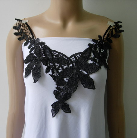 VK103 Maple Leaf Collar Neck Lace Venise Venice Applique Black