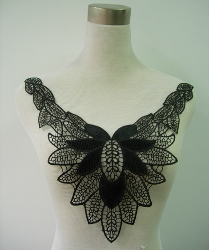 VK121 Leaf Leaves Neck Collar Lace Venice Venise Applique Black
