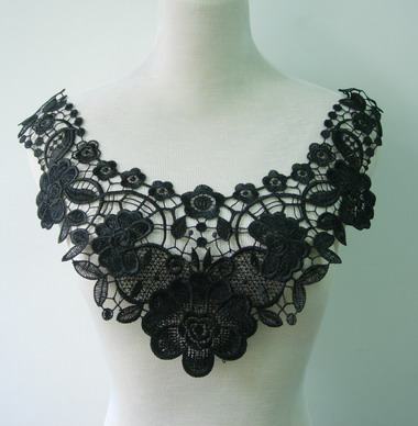 VK159-2 Floral Lace Venice Venise Applique Collar Yoke Black
