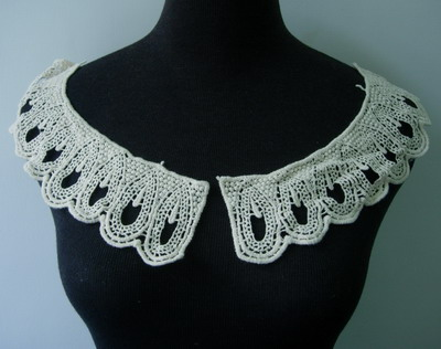 VK227 Natural Venise Lace Applique Mirror Collar Cotton Motif