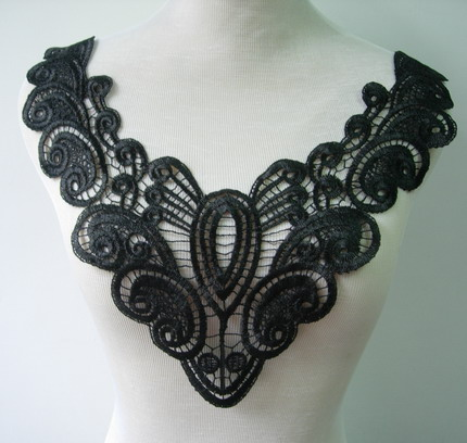 VK240 Fashion Lace V-Neck Collar Venise Venice Applique Black
